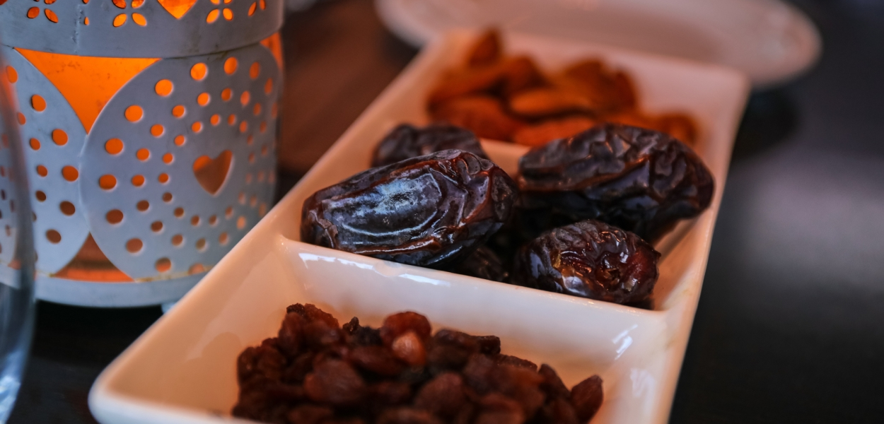 Dates for lowering blood pressure naturally