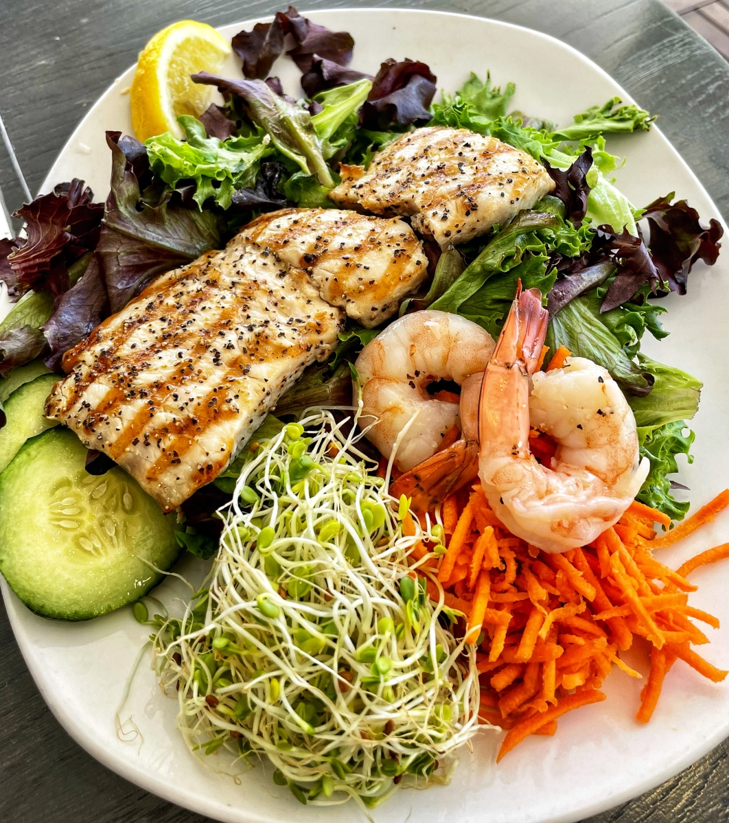 Seafood salad in Waikiki Beach for lower blood pressure naturally